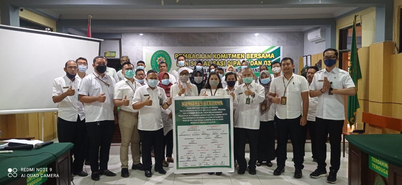 Penandatanganan Komitmen Bersama Tahun 2021 di Pengadilan Negeri Tanjungpandan